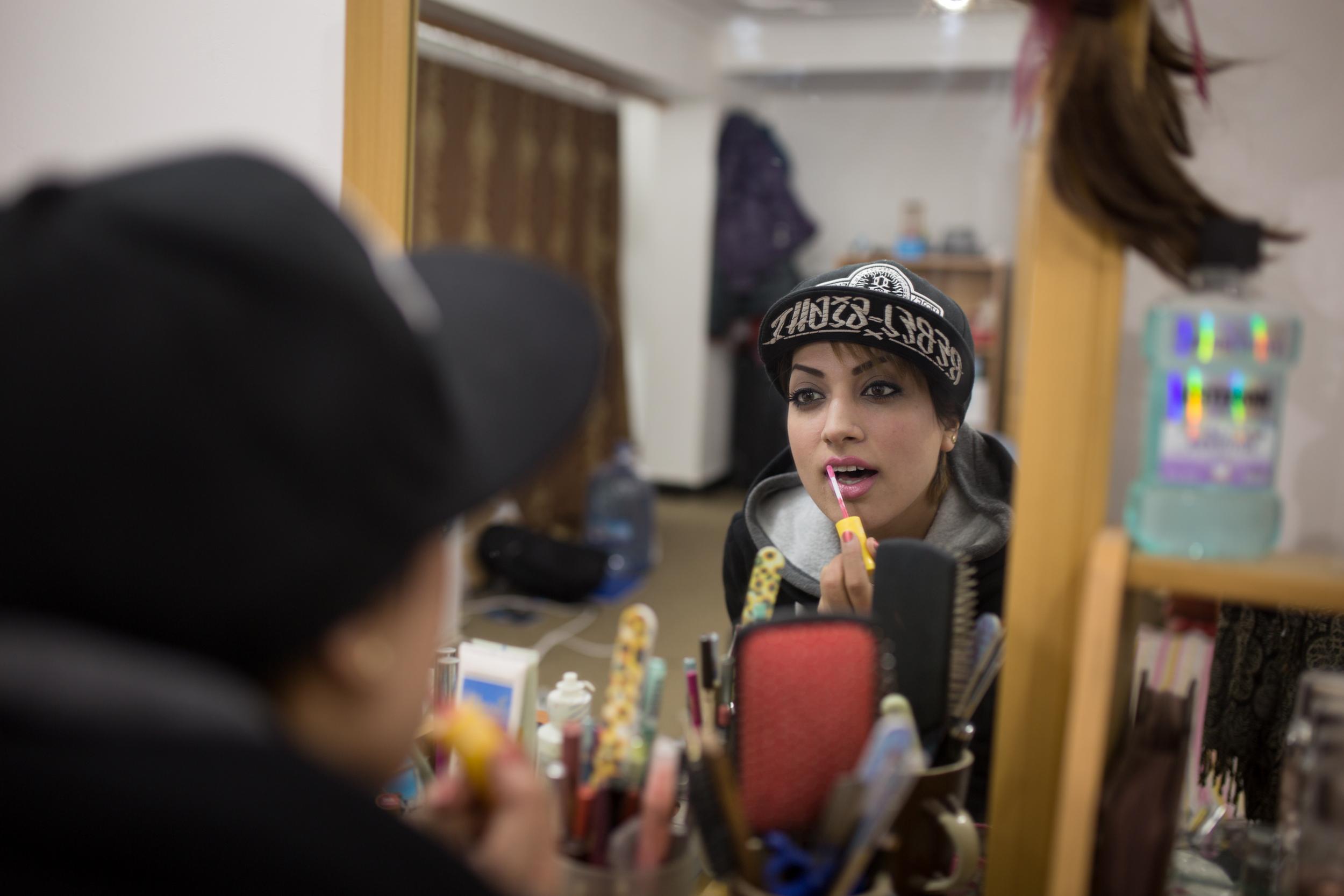 Paradise Sorouri l une des premieres rappeuse en Afghanistan, se