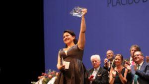 GRAF9448. PRAGA, 26/07/2019.- La soprano guatemalteca Adriana González ha sido la ganadora de la XXVII edición de Operalia, concurso fundado por el tenor Plácido Domingo, en las modalidades de ópera y zarzuela, hoy viernes en el Teatro Nacional de Praga. EFE/RADOVAN SUBIN/Teatro Nacional de Praga ***SOLO USO EDITORIAL***